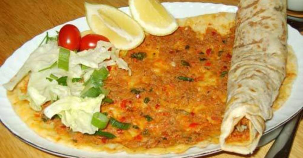 LAHMACUN (Pizza roulée)